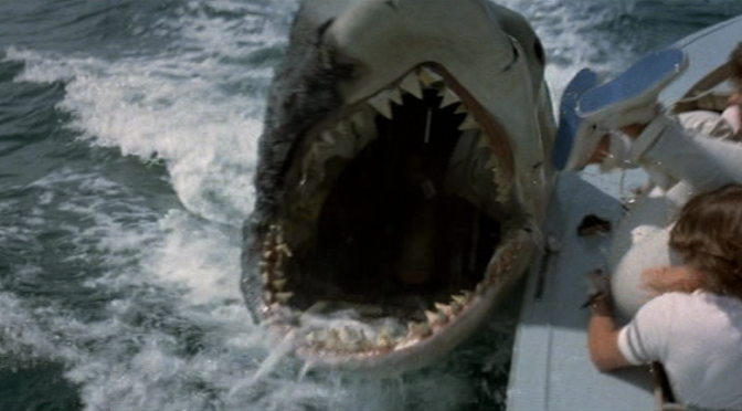 Cinema-Maniac: Jaws 2 (1978) Review